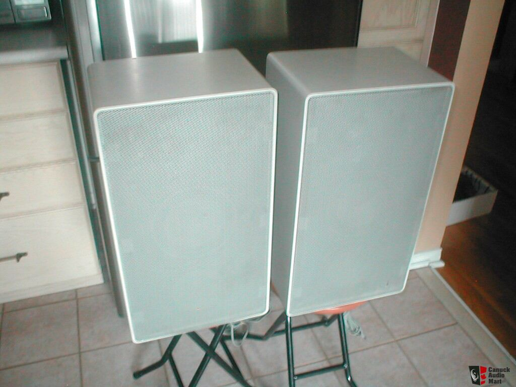 vintage german braun l710 speakers in white photo 202083. Black Bedroom Furniture Sets. Home Design Ideas