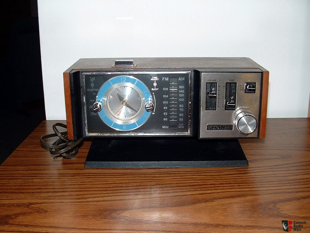 Sony 1970 Vintage Clock Am Fm Solid State Radio Photo
