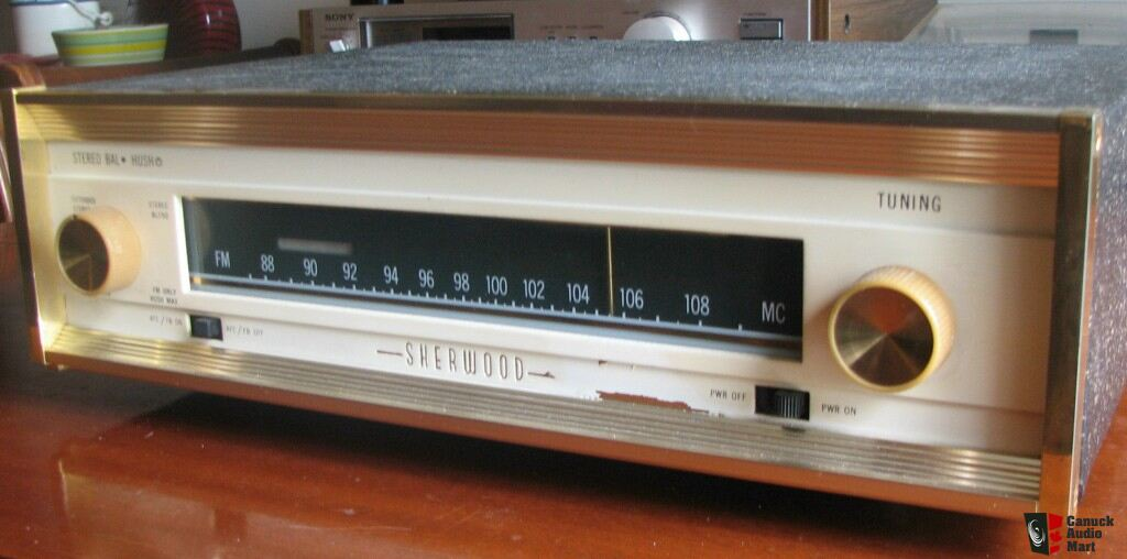 Slant Nose Porsche 997 likewise 988334 likewise Realistictrc418 Realistic Trc 418 40 Channel Cb Radio besides Bose 1801 Dual Channel Stereo Power  lifier Mint In Box Never Used also Willie Nelsons 1969 Martin N 20 Trigger. on old radio tuners