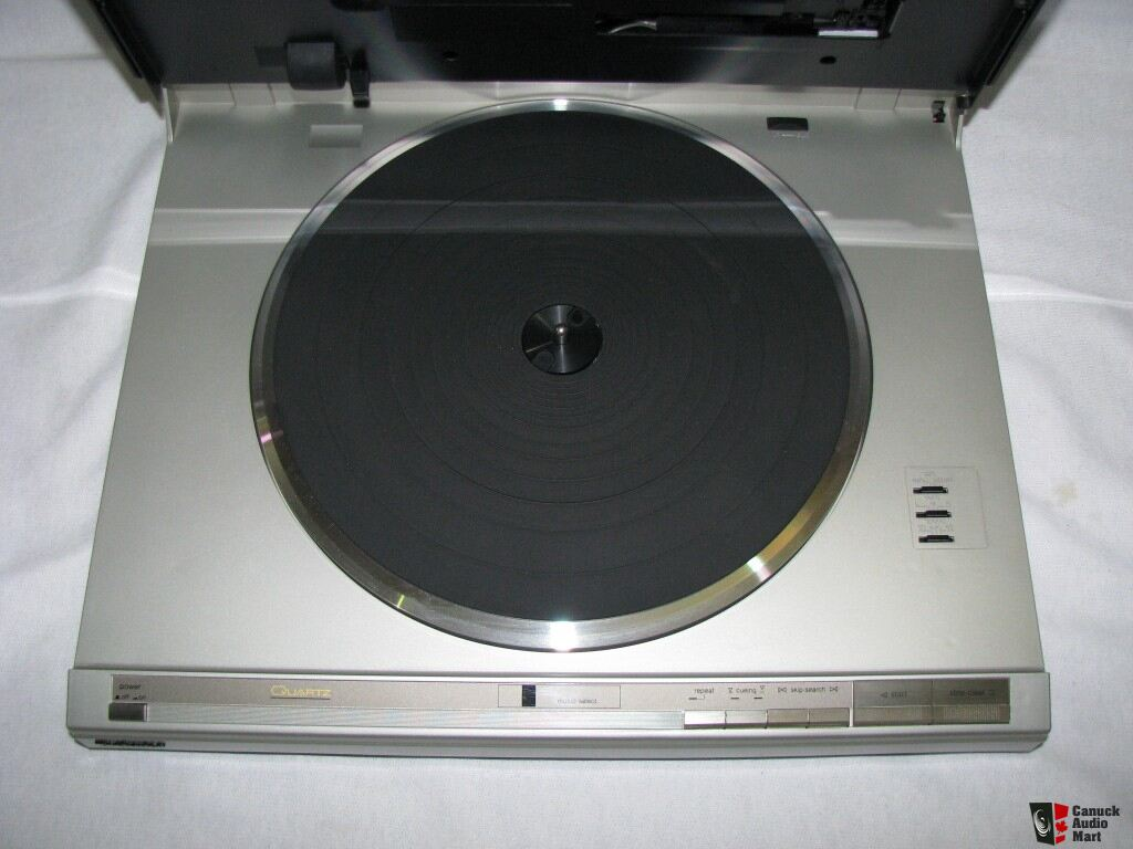 Technics SL-L2 Direct Drive Full Auto Linear Tracking Turntable Photo