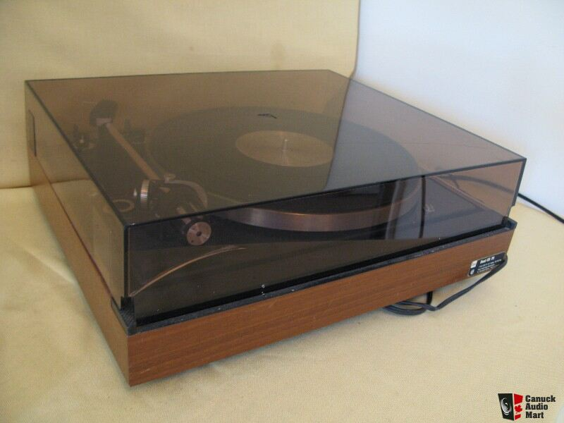 Dual 701 Turntable for Sale http://www.canuckaudiomart.com/details/197734-dual_701_turntable/images/267770/