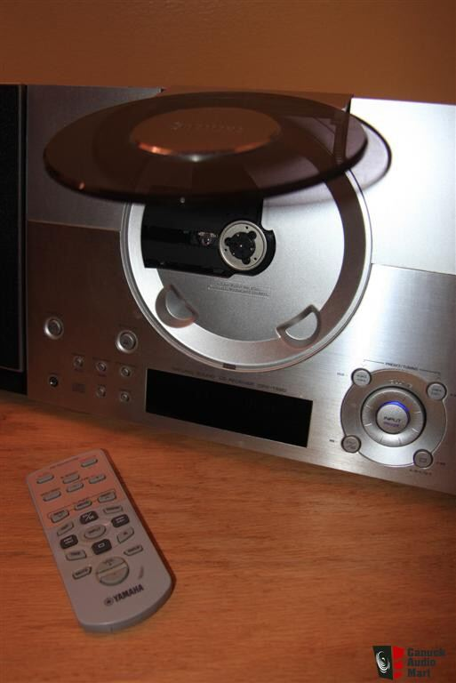 high end alarm clock images frompo 1. Black Bedroom Furniture Sets. Home Design Ideas
