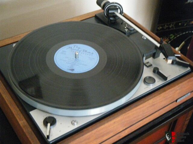 Dual 701 Turntable for Sale http://www.canuckaudiomart.com/details/648945110-dual_1229_turntable_for_sale_/images/336790/