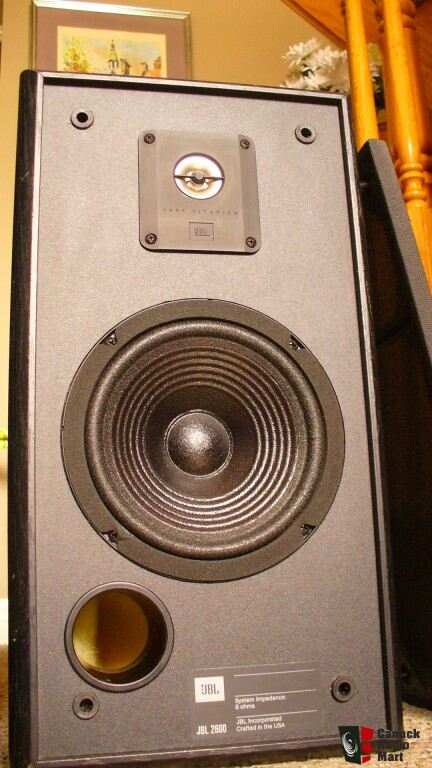 JBL 2600 bookshelf speakers -Big Sound in a Small Package