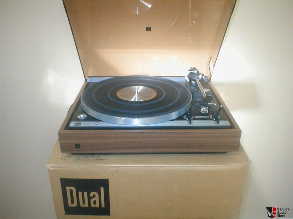 Dual 701 Turntable for Sale http://www.canuckaudiomart.com/details/648960271-vintage__dual__701__turntable___mint_condition/images/365703/
