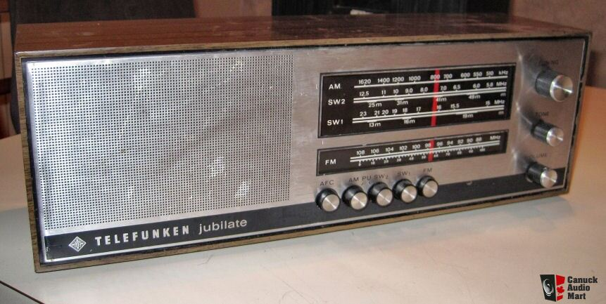working telefunken jubilate 305 am fm shortwave table radio photo 391396 canuck audio mart. Black Bedroom Furniture Sets. Home Design Ideas