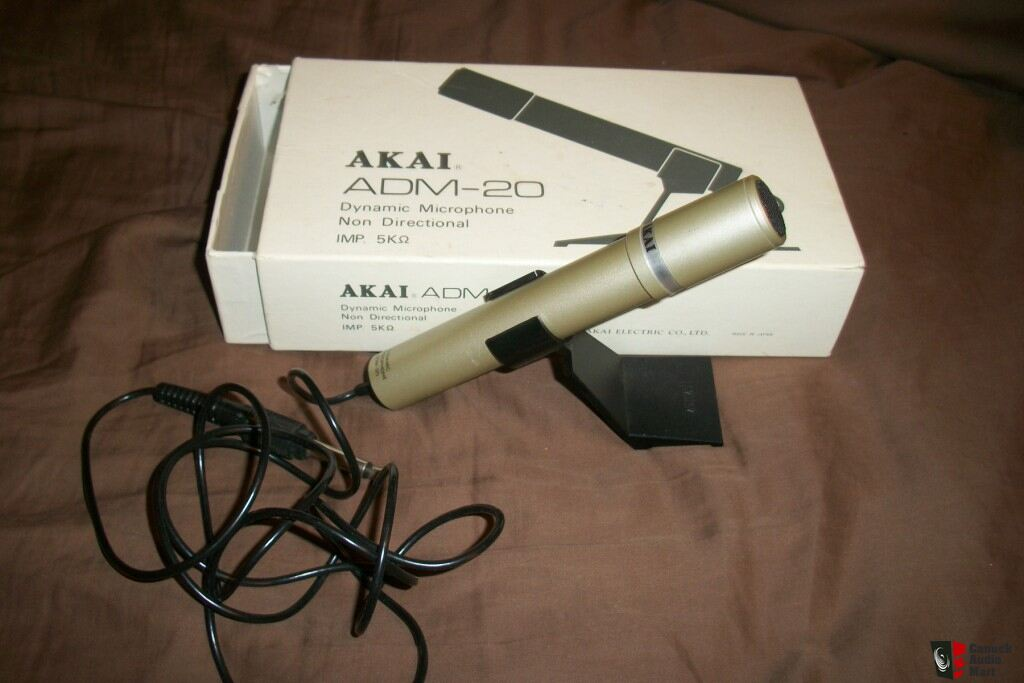 AKAI ADM-20 Dynamic Microphone plus extention