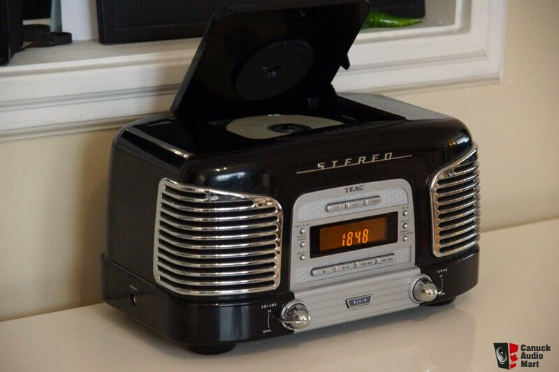 Product as well Soundmaster Nr975 Nostalgische Radio Met Cd Speler additionally Retro Cd Player With Alarm Clock 158439974 moreover Os Aparelhos Para Reproduzir Vinill furthermore 140806212767769. on teac retro radio