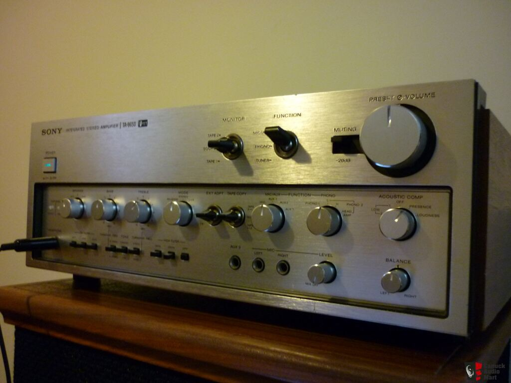 TOP OF LINE VINTAGE SONY V-FET TA-8650 INTEGRATED AMPLIFIER