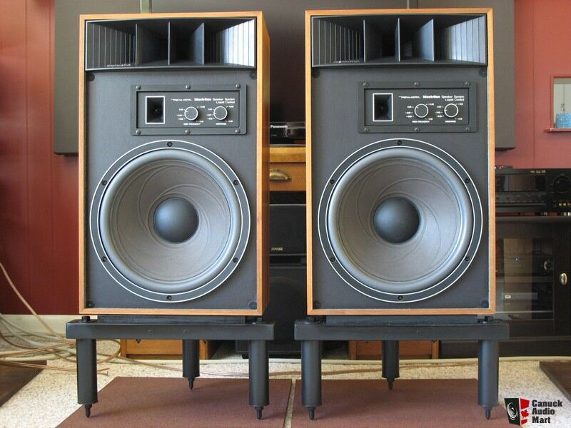 Realistic Mach One Speaker http://www.canuckaudiomart.com/details/649017263-realistic_mach_one_speakers_with_riser_stands/images/480681/