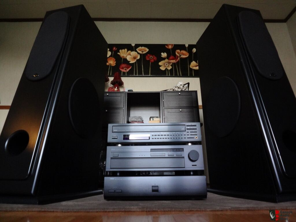 fantastic system large signet speakers 12 39 powered subs yamaha mx 1 amp cx 1000 pre and more. Black Bedroom Furniture Sets. Home Design Ideas