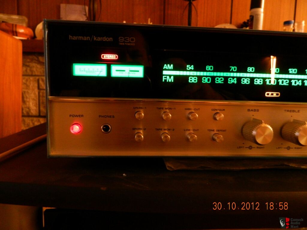 Harmon Kardon HK 930 Receiver, Store Demo unit, unused since, in box (Sold to Tom)