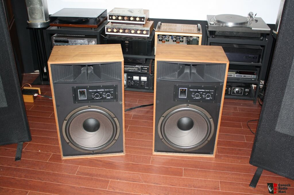 Realistic mach 1 speakers