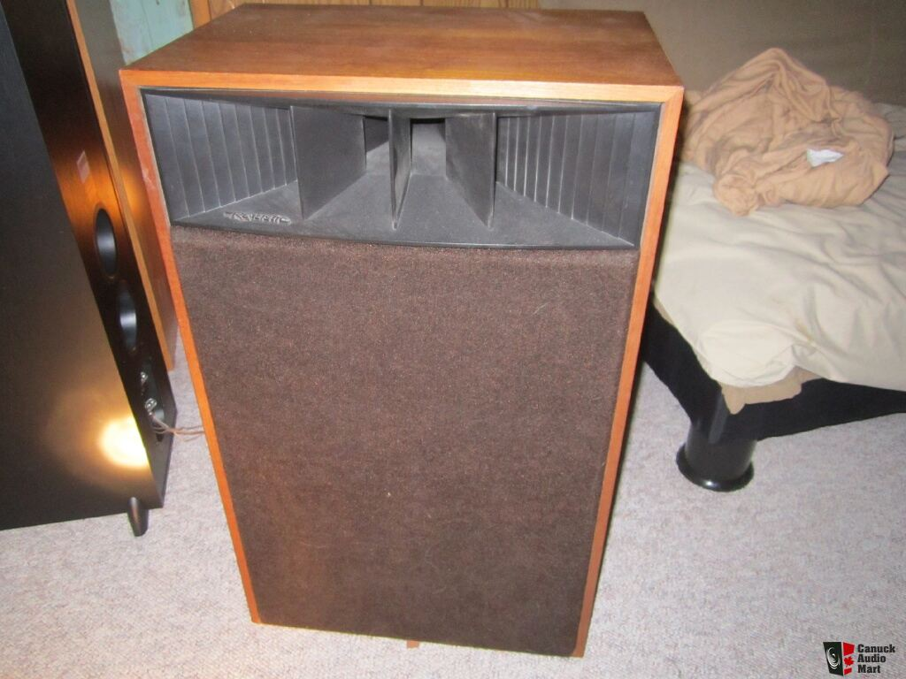 Realistic Mach One Speaker http://www.canuckaudiomart.com/details/649069389-original_realistic_mach_1_speakers_for_sale/images/598531/