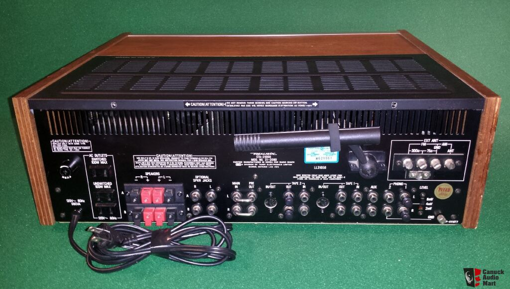 REALISTIC STA 2100D AMPLIFIED RECEIVER & MANUAL WITH A HEAVY 125 WATTS PER CHANNEL