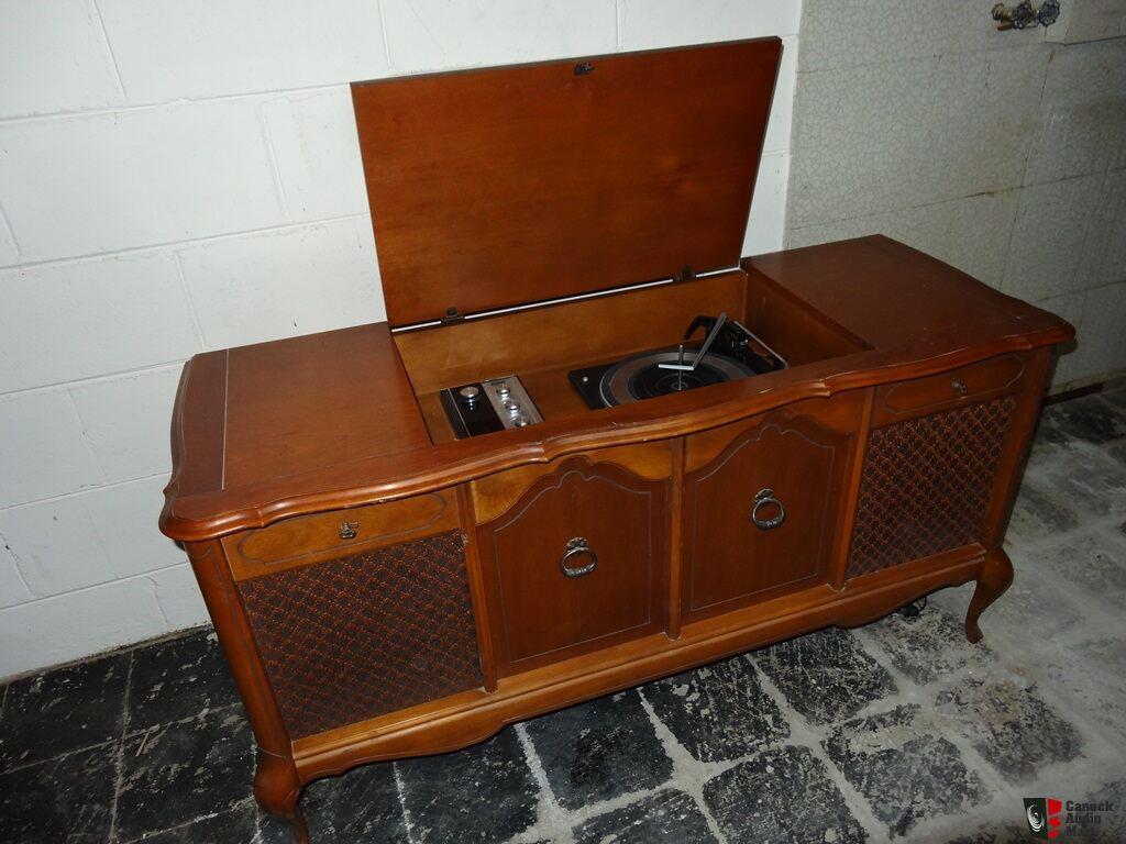 Vintage Rca Garrard Radio And Record Player Photo 630365