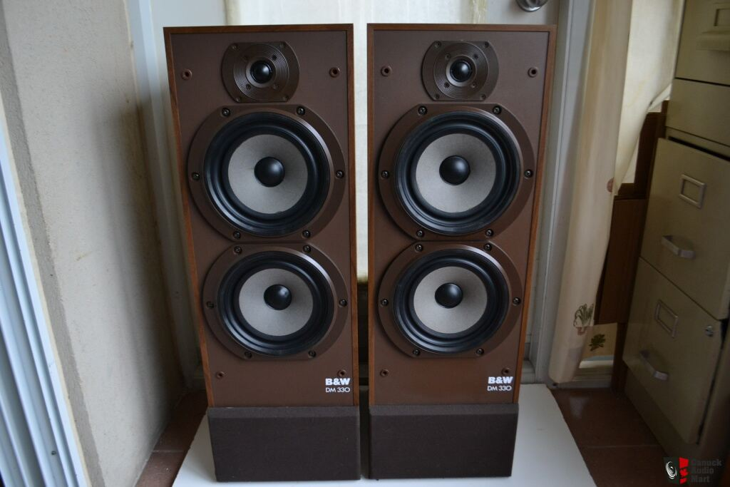 B Amp W Dm 330 Floor Standing Speakers Photo 635711 Uk