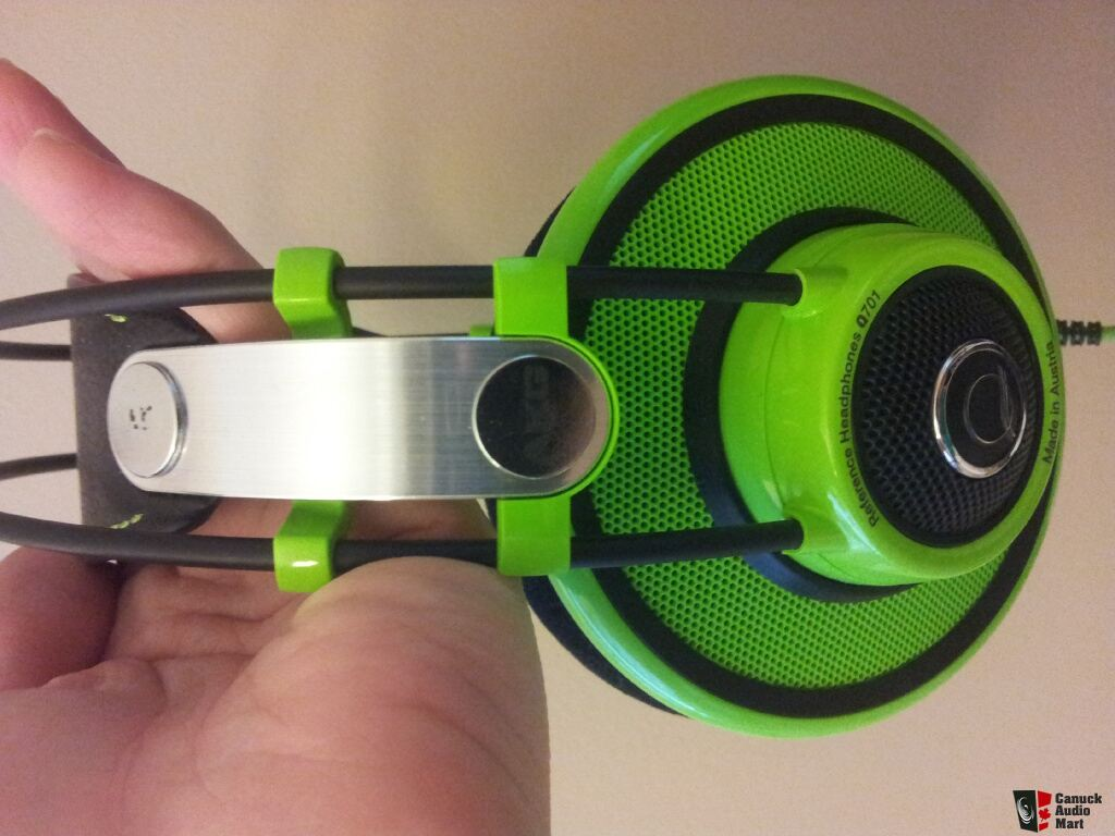 Neon green earbuds - akg earbuds bt