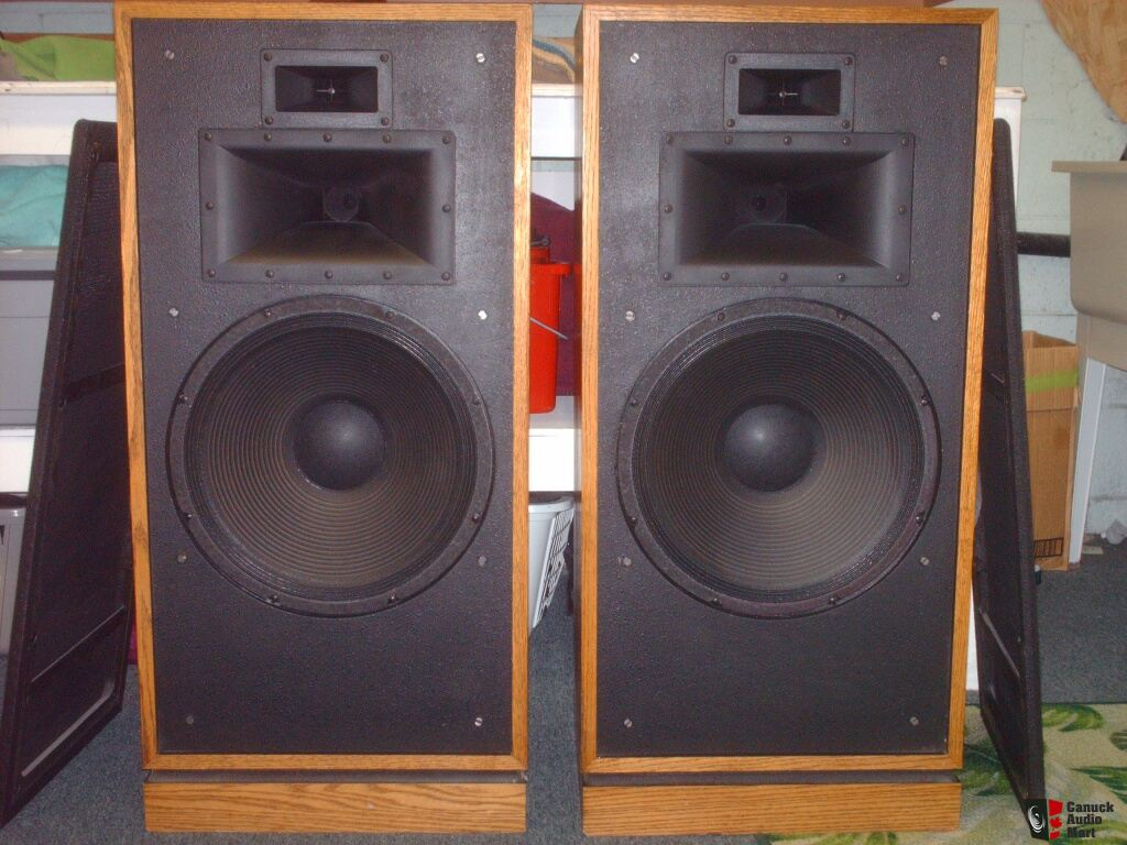 klipsch chorus ii speakers photo 708842 canuck audio mart. Black Bedroom Furniture Sets. Home Design Ideas