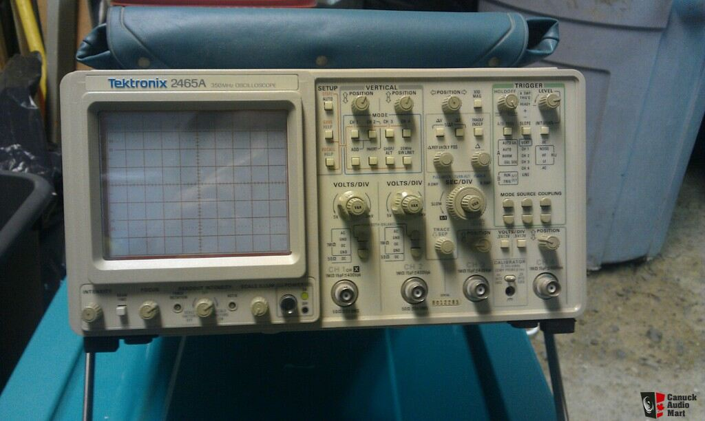 Tektronix Analog Oscilloscope : Tektronix a analog oscilloscope for audio testing