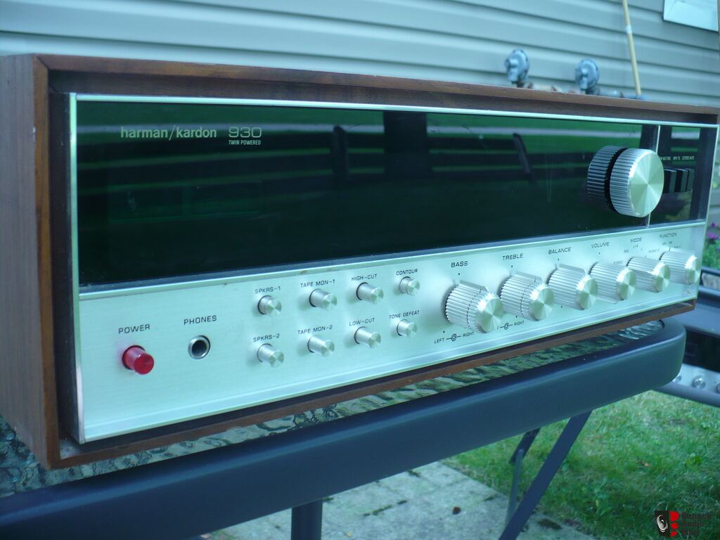 VINTAGE HARMAN KARDON 930 TWIN POWERED RECEIVER TOP OF THE LINE