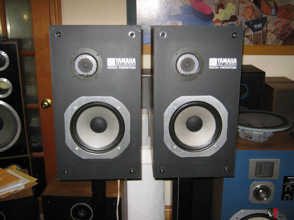 yamaha ns 220 rm rock monitor studio speakers photo 845069 canuck audio mart. Black Bedroom Furniture Sets. Home Design Ideas
