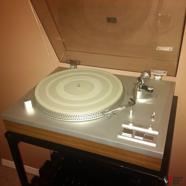 yamaha yp d6 turntable with cartridge and needle photo