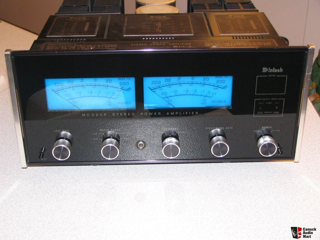 McIntosh MC-2205 Power amplifier