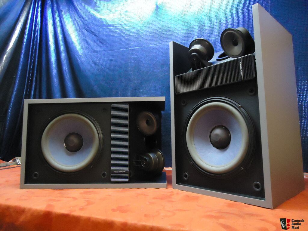 speakers in box. rare silver finish bose video monitor aka 301 series ii 2 speakers in box -xlnt p